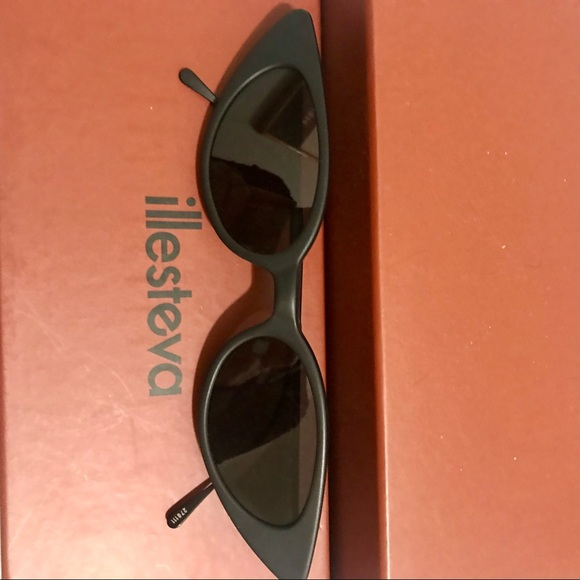 b8a3b70285b0 Illesteva Accessories | Marianne Sunglasses | Poshmark